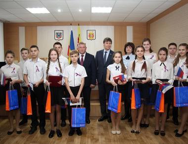 Торжественное вручение паспортов юным гражданам  Тацинского района